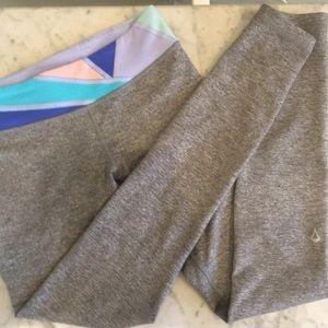 Ivivva leggings size 10 gray